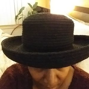 Accessories - Black ribbed hat